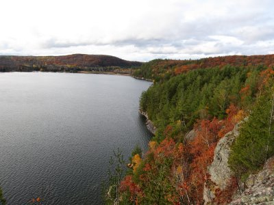 View from top of cliff on Drag Lake